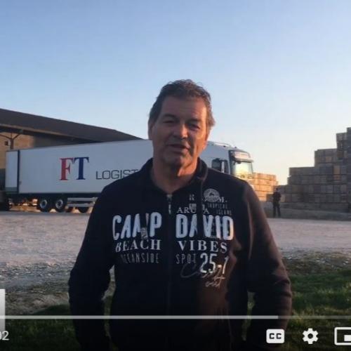 Le directeur de l'Agropôle aide les travailleurs des usines locataires du pôle