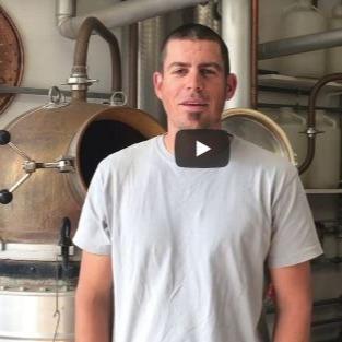 Reconversion : ensemble les distillateurs de La Roja et de Cheyres font du désinfectant pour les mains